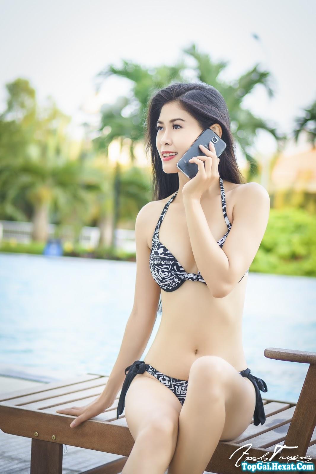 Ảnh bikini hồ bơi của em gái trắng xinh