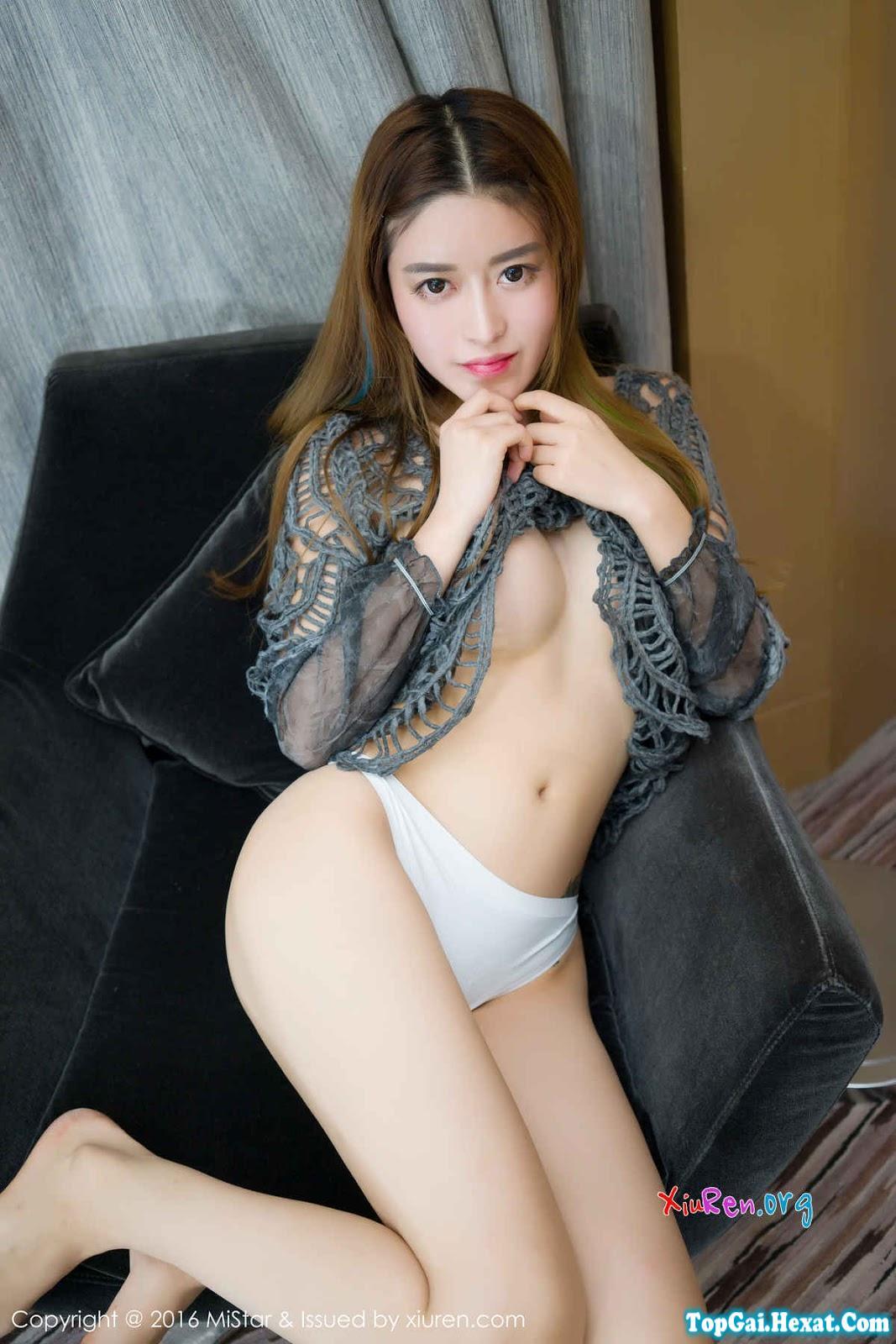 Gái đẹp diện áo xuyên thấu hở ngực to