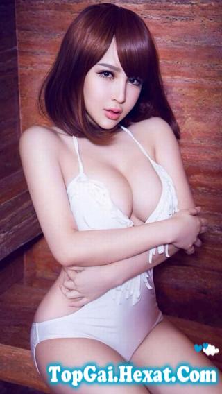 Gái đẹp khoe ngực căng tròn gợi cảm