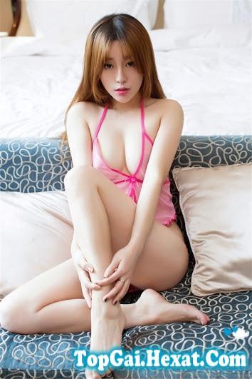 Gái xinh bikini siêu mỏng màu hồng khiêu gợi|raw