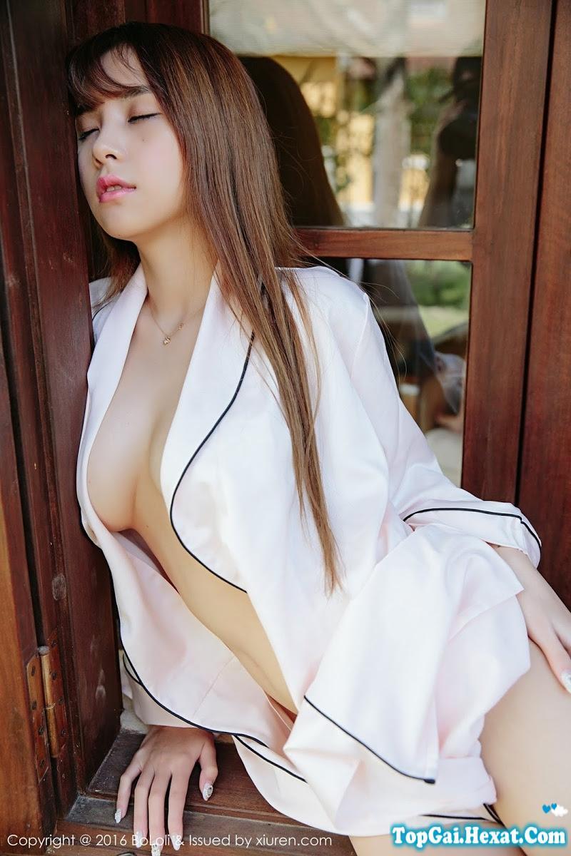 Gái xinh ngực to không mặc áo lót cực đẹp